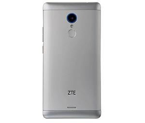ZTE Blade V580の背面