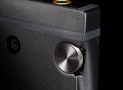 ロータリーエンコーダー式ボリュームノブは61段階の音量調整が可能